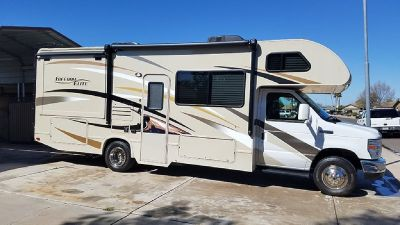 By Owner! 2016 27 ft. Thor Freedom Elite 26FE w/slide