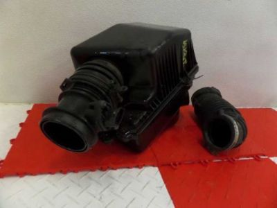Purchase 02-05 Kia Sedona AIR CLEANER INTAKE BOX ASSEMBLY 3.5L motorcycle in Perry, Missouri, United States, for US $68.00
