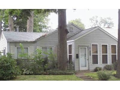2 Bed 1 Bath Foreclosure Property in Fort Wayne, IN 46805 - Kenwood Ave