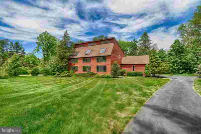 3525 Goshen Rd NEWTOWN SQUARE Three BR, Set back from the road