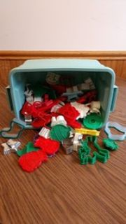 Christmas cookie cutters, assorted