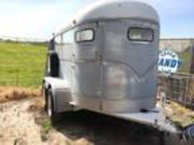 2 horse trailer Straight load