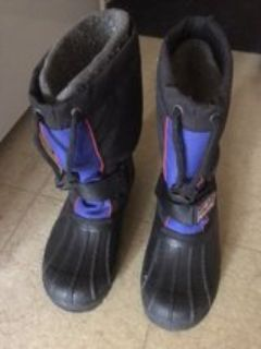 kids winter boots size 4