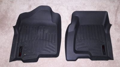 Weather Tech floor mats - Chevy Silverado 1999-2007 **like new**