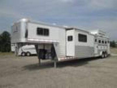 2013 Elite ***REDUCED*** - SLIDE - RAMP - 16' SW - 2 SOFAS 4 horses