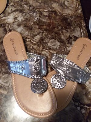 Pierre Dumas sandals never worn 8 1/2