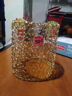 Gold candle decor