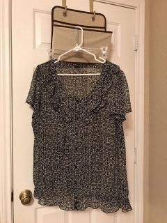 Women's black and gray blouse. Size 2X.
