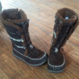 OSHKOSH brown winter boots size 7 girls