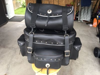 Motorcycle T bag-Fits onto sissy bar.Only used a few times and is in excellent condition .