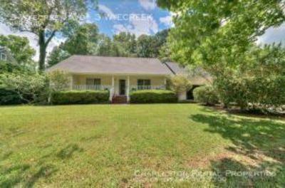 Single-family home Rental - 3 Wyecreek Ave