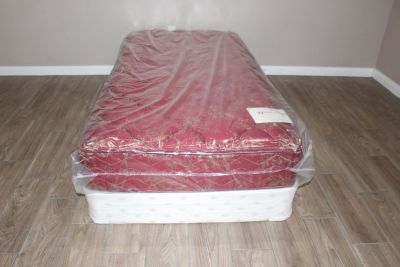 Twin size mattress- Tight top Woodhaven