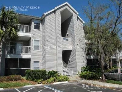Beautifully Updated 3rd floor 2 Bedroom, 2 Bath condo in Gated Regency Park