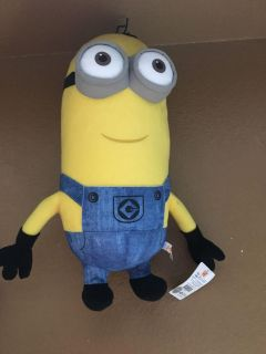 Giant Minion character new with tag