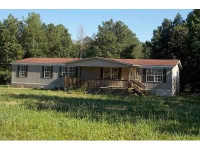 3 Bed 2 Bath Foreclosure Property in Calhoun, GA 30701 - Town Creek Dr NE