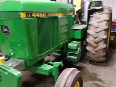 Hot Farm 3000 RPM pulling tractor