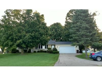 3 Bed 1.0 Bath Preforeclosure Property in Lansing, MI 48906 - S Airport Rd