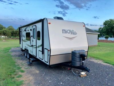2016 Forest River Flagstaff Micro Lite 25KS