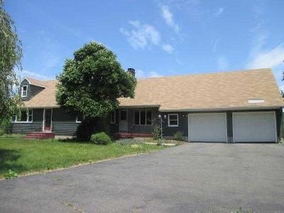 3 Bed 2 Bath Foreclosure Property in Suffield, CT 06078 - Russell Ave