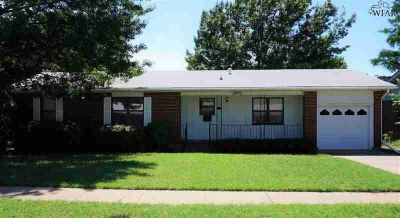5040 Lindale Drive WICHITA FALLS Three BR, This home has a great