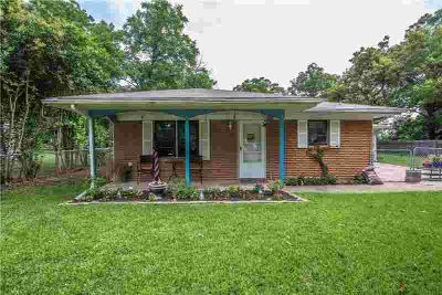 1009 S Pennsylvania Ave. ROSWELL Two BR, This home has the