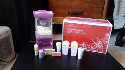 American Girl doll Popcorn Machine. Excellent condition, works perfectly, with original paperwork & box
