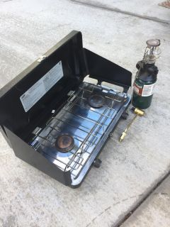 Century camping stove with lamp