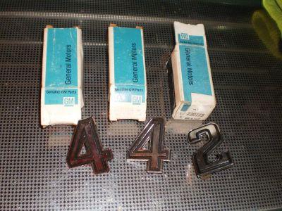 """69-73 Oldsmobile 3 Cutlass 442 Chrome """"2"""" Script Moulding EmblemS Number NOS"""