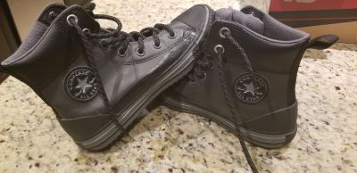 Leather converse tennis shoes sz 3 NEW