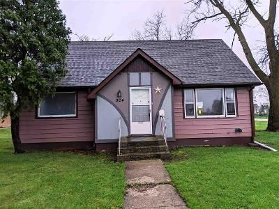 3 Bed 1 Bath Foreclosure Property in Belvidere, IL 61008 - Wayne St