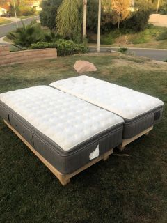 Stearns and Foster mattresses/stands