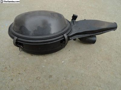 Volkswagen Beetle Air Cleaner 69-70.