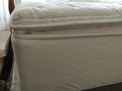 $500, Top quality queen size mattress set, frame and headboard