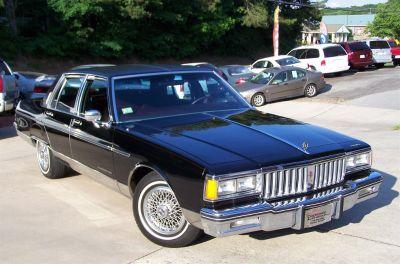 1986 Pontiac Parisienne Brougham (Black)