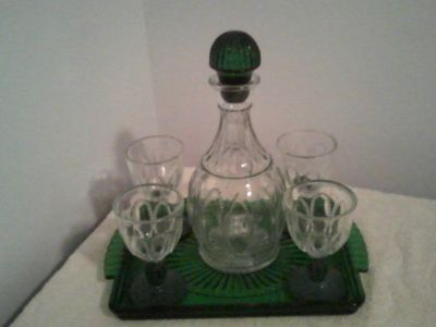Avon Emerald Accent 7-Piece Liquor Set 1982