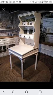 Flip top desk with Hutch
