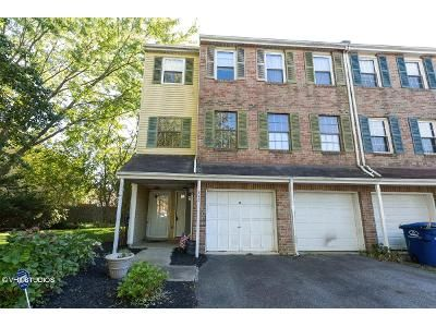 2 Bed 1.5 Bath Foreclosure Property in Mount Laurel, NJ 08054 - Willow Turn