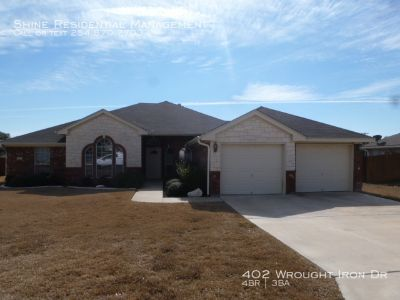 Single-family home Rental - 402 Wrought Iron Dr