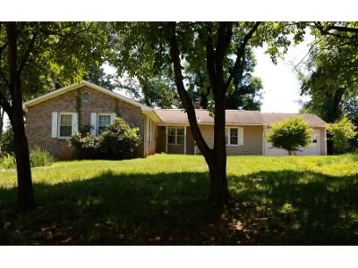 2.0 Bath Preforeclosure Property in Athens, GA 30606 - Rhodes Dr