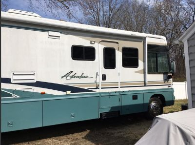 2004 Winnebago Adventurer 38-G
