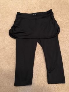Running Skirt with pants. Sz 7/8 $1