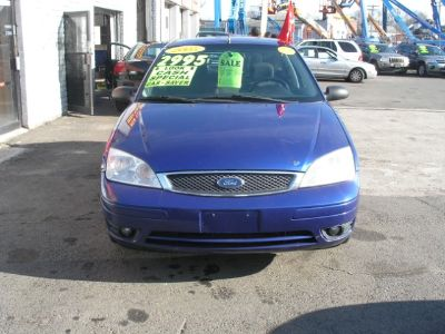 2005 Ford Focus ZX5 S (Blue)