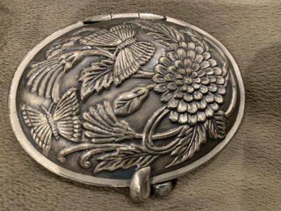 VINTAGE PEWTER MIRROR PHOTO COMPACT. CP