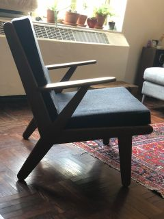 Mid Century Modern chair in excellent condition