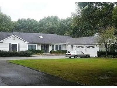 4 Bed 3.5 Bath Foreclosure Property in Miller Place, NY 11764 - Miller Place Rd