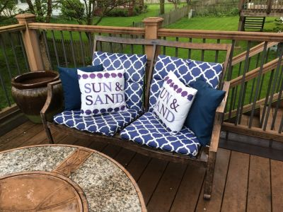 Patio loveseat, 2 chairs, fire pit/screen