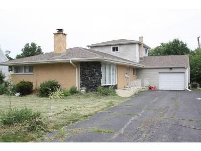 5 Bed 1 Bath Foreclosure Property in Melrose Park, IL 60164 - S Caryl Ave