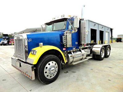 2000 FREIGHTLINER CLASSIC  DAY CAB   big power  (MS)