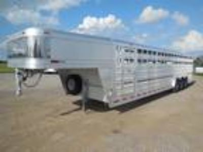 2019 Platinum Coach 32' Stock Trailer 8 wide with 3-7,000# axles Stock
