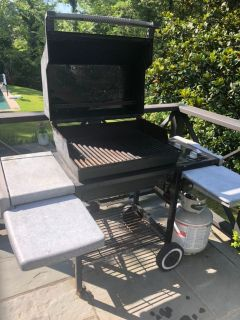 Weber propane grill with tank